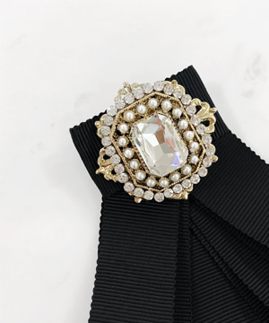 simple broach